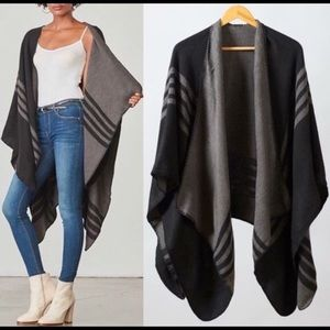Brand New BB DAKOTA BLACK/GREY Reversible PONCHO
